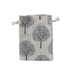 sacek na menstruacni kalisek stromy